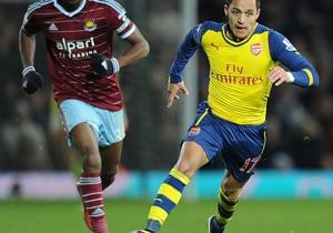 Alexis Sánchez jugó todo el partido en el triunfo de Arsenal.