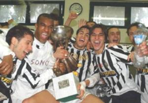 BENJAMIN ONWUACHI - Cresciuto insieme a Oba Oba Martins, Benjamin sembra poter seguire la stessa strada del connazionale quando nel 2002 viene acquistato dalla Reggiana. Nella Primavera del club emiliano segna caterve di goal, al punto di meritarsi la ...