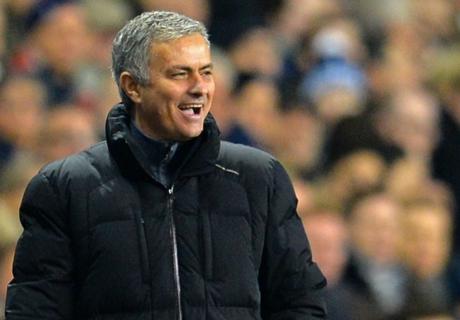 Mourinho apologises for ref criticism