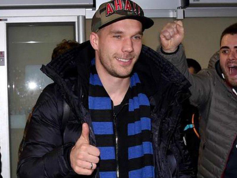 """Calciomercato Inter, Podolski è a Milano: """"Sono felice, andiamo in Champions"""""""