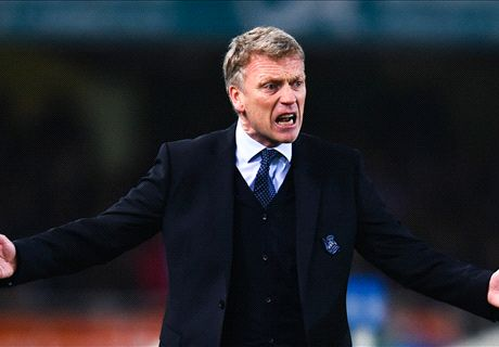 Crisp-eating Moyes given two-match ban