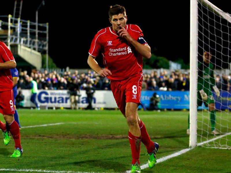 """Rodgers enaltece a atuação de Gerrard: """"Foi espetacular"""""""