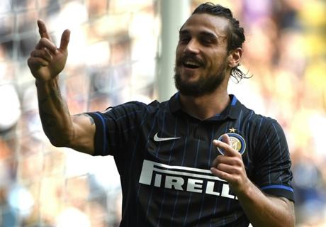 Osvaldo edges closer to Boca switch
