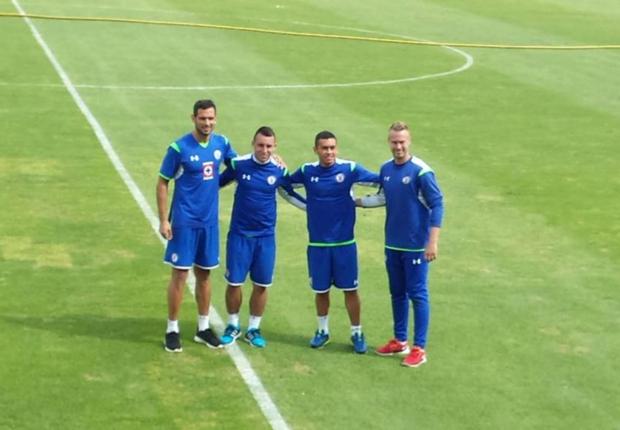 Roque Santa Cruz encabezó la lista de refuerzos de Cruz Azul para el Clausura 2015.