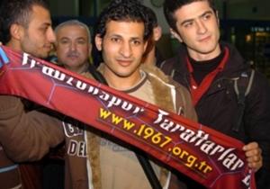 SAYED MOAWAD (Trabzonspor, 2007-08) | Transferinden önce Mısır'ın en iyi sol bek oyuncusu olduğu söyleniyordu. Ancak 28 yaşına kadar kendisini kimsenin keşfedememiş olması, bazı şeylerin işaretçisi gibiydi. Kiralık olarak transfer edilen Moawad sadece ...