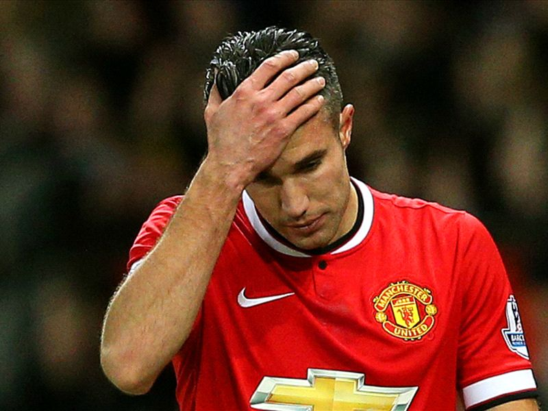 Manchester United to assess Van Persie ankle injury