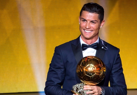 Cruyff: CR7's Ballon d'Or win is 'absurd'