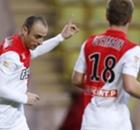 Berbatov fires Monaco into cup semis