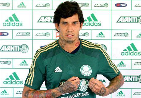 Palmeiras apresenta Victor Ramos