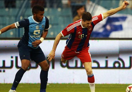 Lewy strikes as Bayern cruise to win