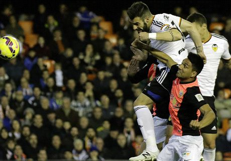 Negredo the hero for Valencia