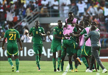 Senegal und Algerien starten mit Siegen