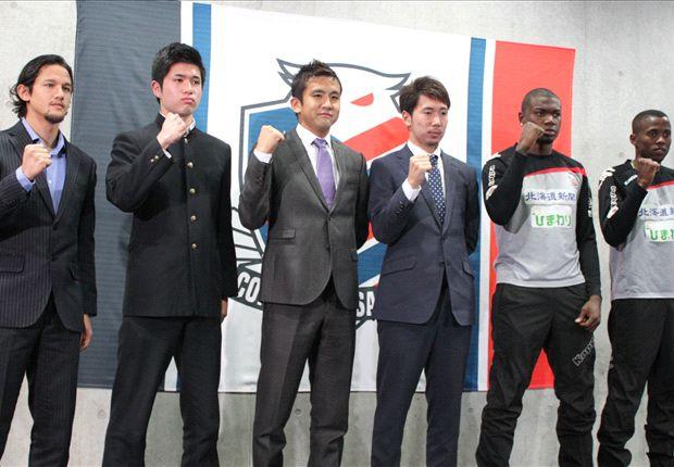 Irfan Bachdim saat diperkenalkan Consadole Sapporo.