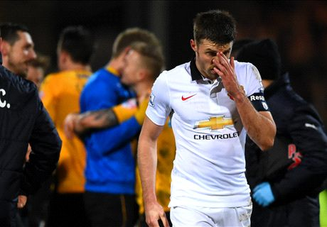 Carrick ruled out for four weeks