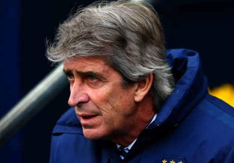 Pellegrini defends misfiring strikers