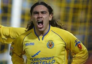 Dopo un breve trascorso al Barcellona e al PSG, Sorin trova finalmente la sua dimensione al Villarreal dove, tra il 2004 e il 2006, vive due stagioni da protagonista. Nel 2009, dopo aver vestito per la terza volta la maglia del Cruzeiro, lascia il calc...