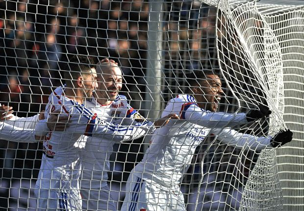 Lyon 2-0 Metz