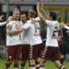Maxi festejó el gol con sus compañeros.