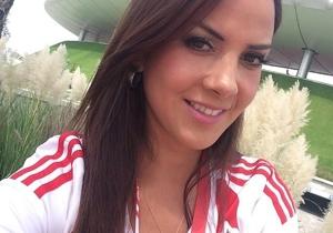 La belleza de Karen Manzano apoyando esta tarde a Chivas