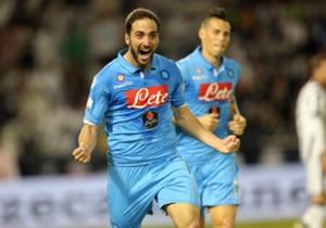 13) Juventus (5) 2-2 (6) Napoli | Supercopa de Italia | 22-12-2014 | El mejor partido del argentino en el semestre le valió un título a Napoli. Fue en Doha, ante Juventus. Hizo doblete y convirtió en la definición desde los 12 pasos.