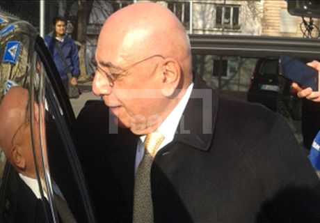 Galliani sorride: Milan, accordo per Destro
