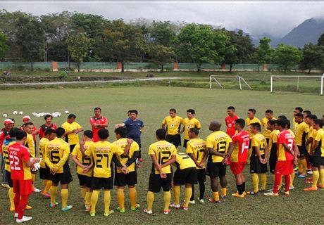 Resmi Jadi Pelatih, Nilmaizar Langsung Pimpin Latihan Semen Padang