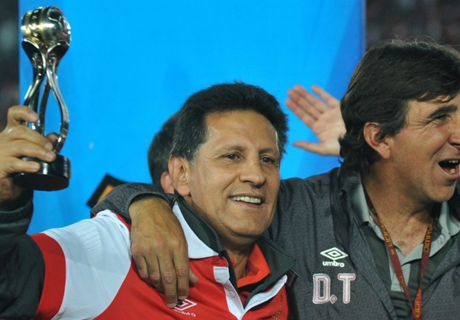 """Gustavo Costas: """"Feliz con mi equipo"""""""