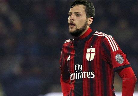 Destro leaves Roma for AC Milan