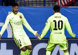 Neymar esulta con Messi
