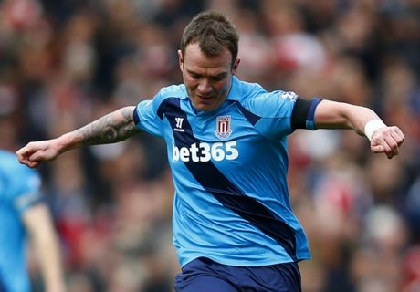 Hughes 'delighted' to secure Whelan