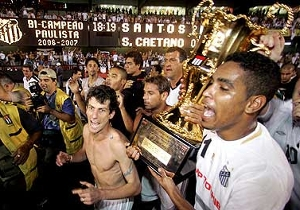 O Santos foi bicampeão paulista em 2006 e 2007, feito que voltou a repetir em 2011 e 2012