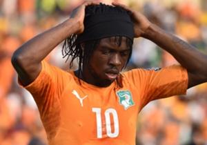 Gervinho | Elfenbeinküste | Im Spiel gegen Guinea zeigte er eine Tätlichkeit und regte sich nach seinem Platzverweis noch weiter auf. Mit der auferlegten Sperre von zwei Spielen verpasste Gervinho die gesamte Vorrunde. Ursprünglich war er aber einer d...