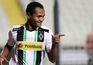 Raffael | 2013 | für fünf Millionen Euro von Dynamo Kiew zu Borussia Mönchengladbach | Mit der Verpflichtung des Favre-Zöglings gelang Max Eberl ein echtes Schnäppchen. Mit Raffael steht und fällt die Gladbacher Offensive.