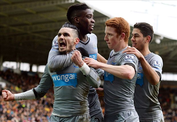 Hull City 0-3 Newcastle: Magpies pile pressure on Bruce