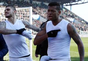 Los sudamericanos reaccionaron contra los hinchas