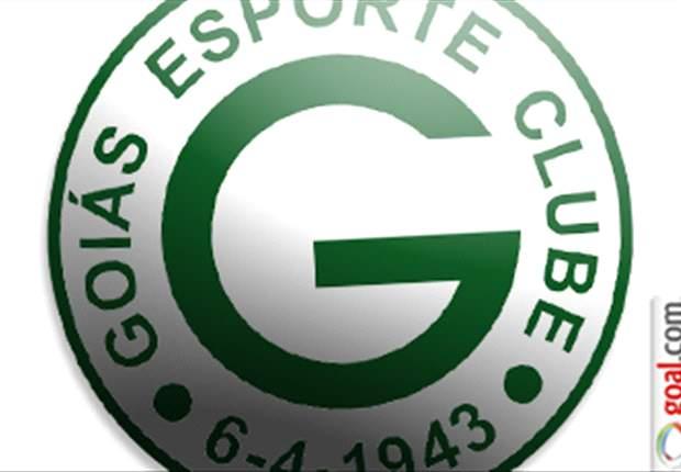 Presidente do Goiás anuncia a contratação do atacante Rychely