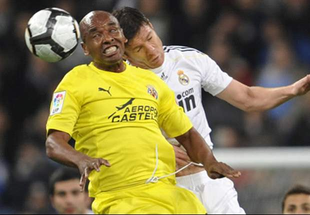 Villarreal's Marcos Senna Dejected After Real Madrid Loss