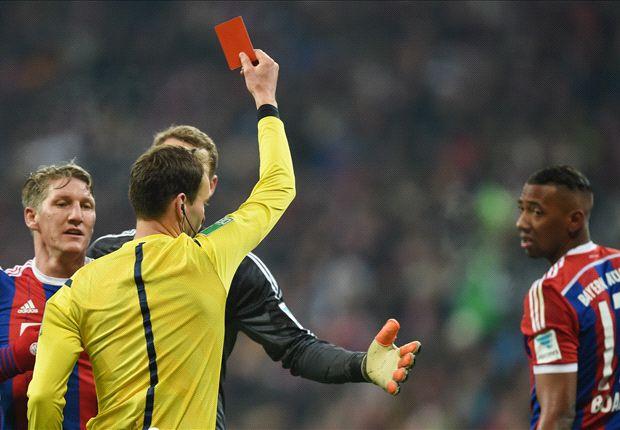 Bayern Munich 1-1 Schalke: Howedes halts 10-man Bavarians