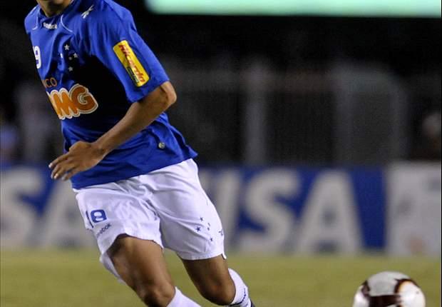 Vasco confirma Pedro Ken e Sandro Silva como reforços