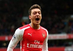 Wir küren die beste Elf des Wochenendes in England. Im FA Cup stachen unter anderem Arsenals Mesut Özil und Olivier Giroud hervor.