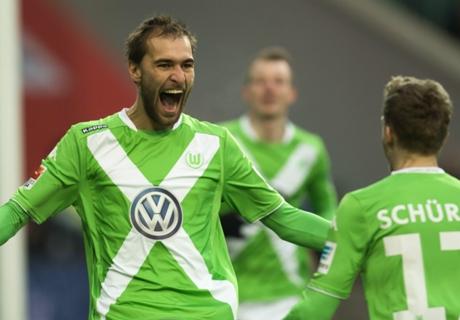 Wolfsburg Jaga Jarak Dari Bayern