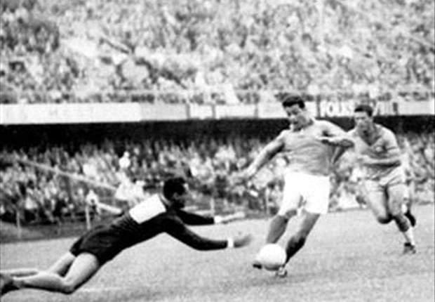 Just Fontaine (r.) hält den Rekord für die meisten Tore während einer WM