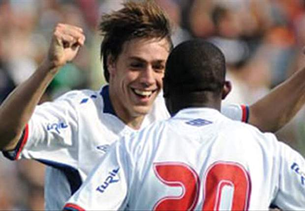 Sebastian Coates move to Liverpool is complete - Nacional vice-president