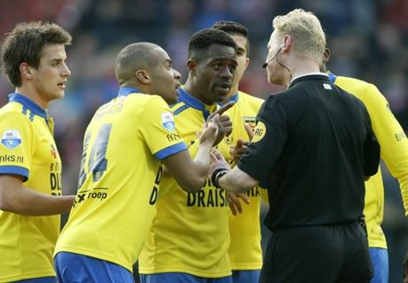 Ajax Menang, AZ & Feyenoord Bersaing Ketat