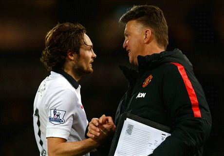 Blind calls for LVG to stay at Man Utd