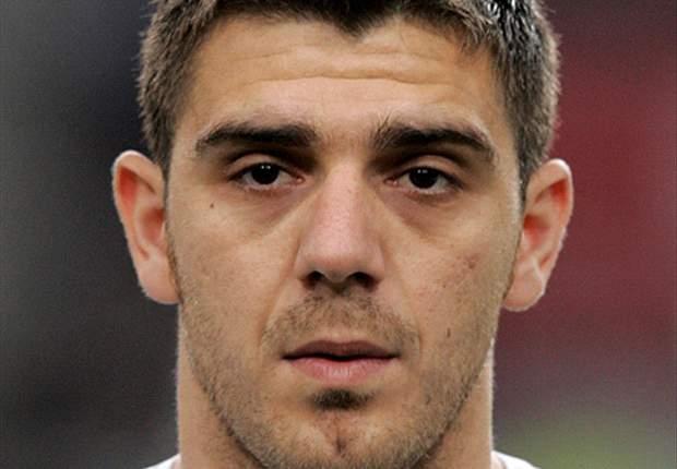 Kostas Katsouranis Lanjutkan Karir Di PAOK Salonika