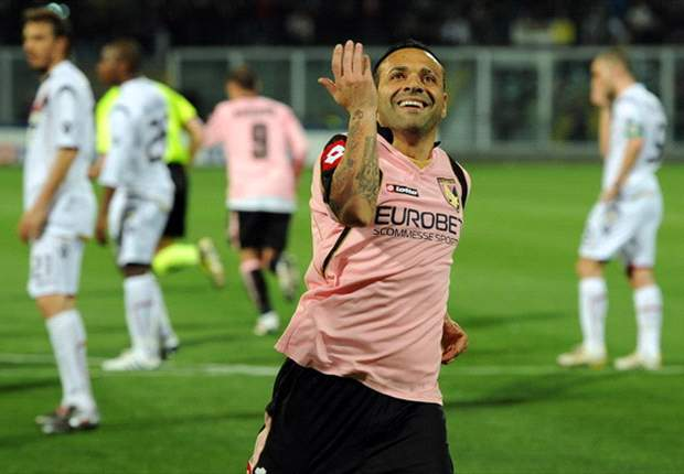 Palermo's Fabrizio Miccoli thanks Birmingham City for offer, but prefers to stay in Sicily