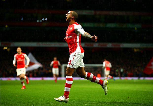 Arsenal 2-1 Leicester City: Walcott on target for below-par Gunners
