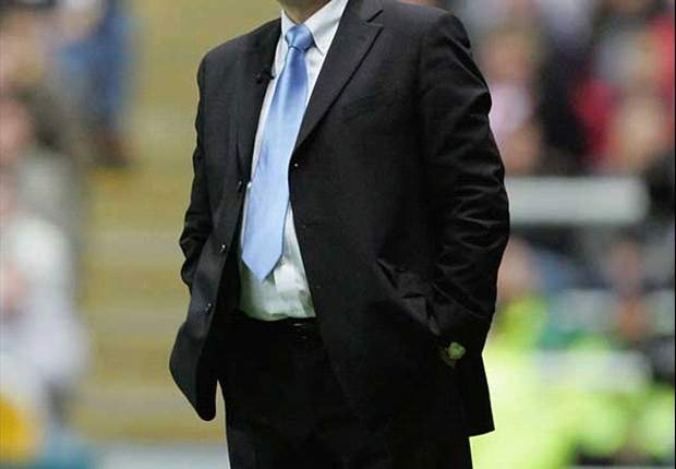 Graham Taylor: Beri Waktu Untuk Roy Hodgson