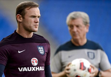 Hodgson: I'll play Rooney up front